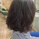 朝の髪のセットがラクなパーマ